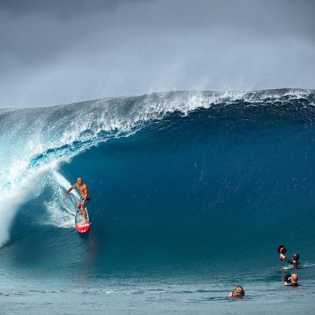 @shanedorian feeling very much at home in Tahiti. #BillabongProTahiti