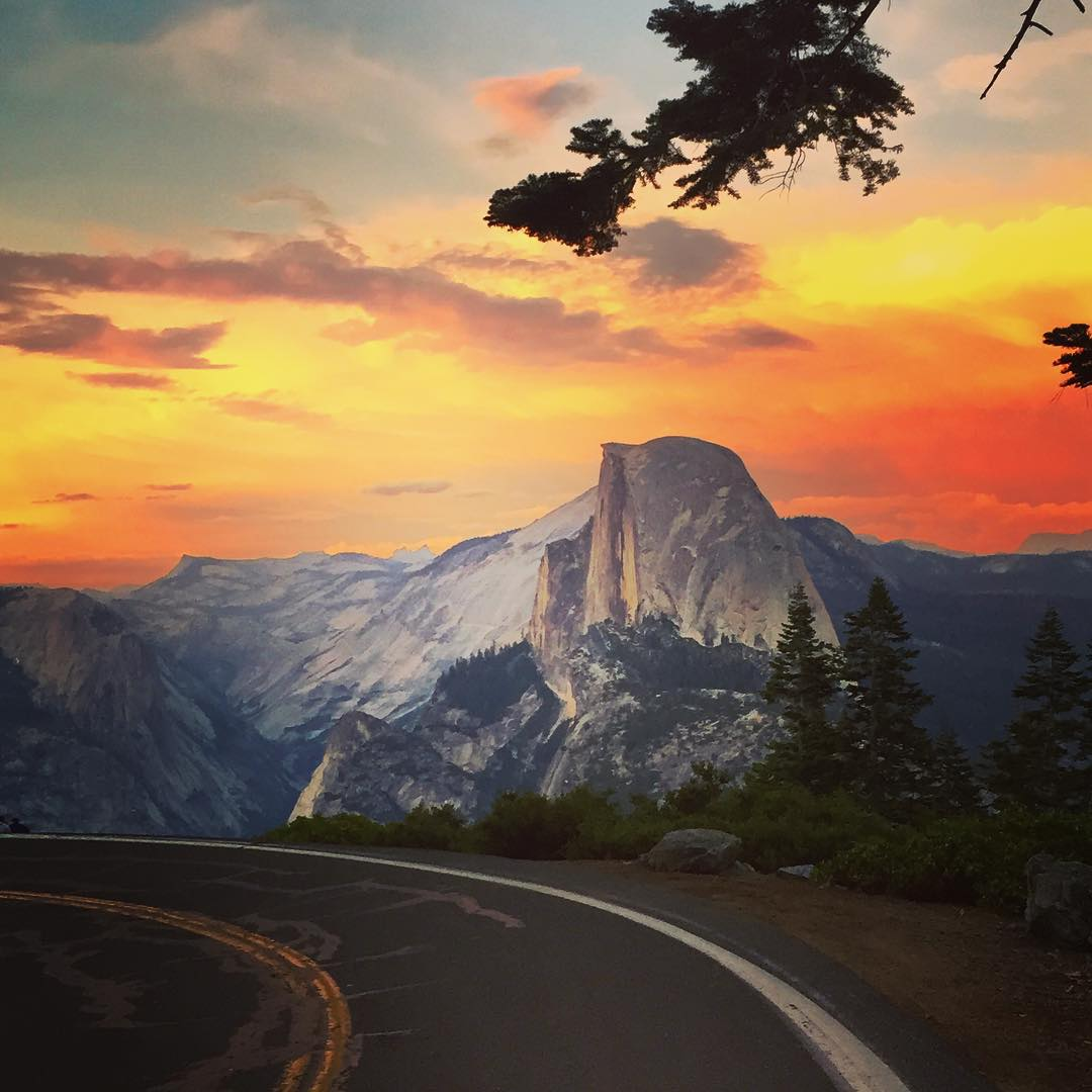 Cheers to the weekend & last Friday's Adventure @yosemitenps - what exciting experiences will this one bring?#flashbackfriday #yosemite #halfdome #adventureoften #staywild #exploremore #sunset #sunsetchaser