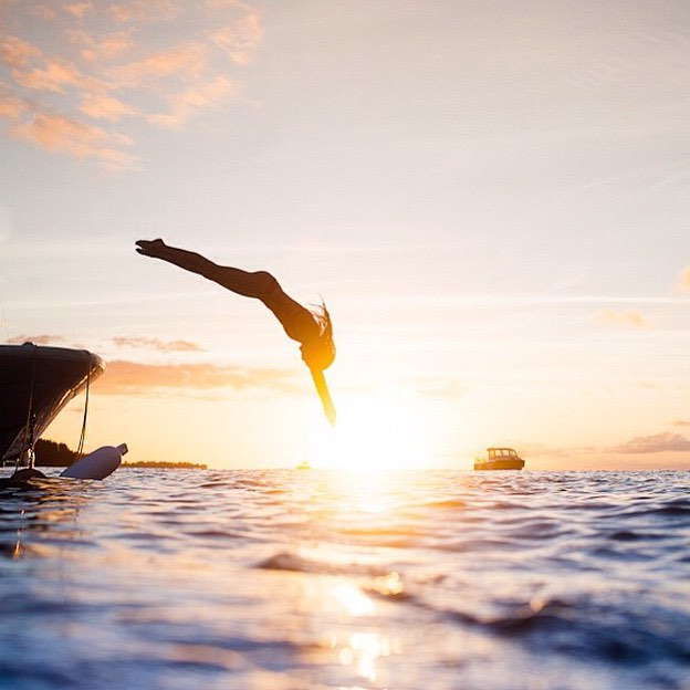 #miolagirls dive right in! || weekend ready with our good friend @chelseakauai