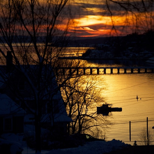 #hull sunset #nofilter #coldasf #coldwatersurf #winter #instagood #photooftheday #like #picoftheday #instadaily #ig #instasurf #webstagram #bestoftheday #love #follow #igdaily #newengland #eastcoastsurf #eastcoast #surf #surfing #wave #water #surfphoto...