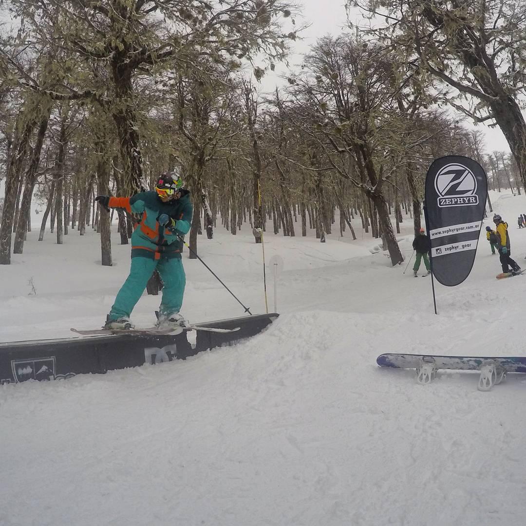 @zephyr_gear Sponsor del SnowPark de @cerro_chapelco !!