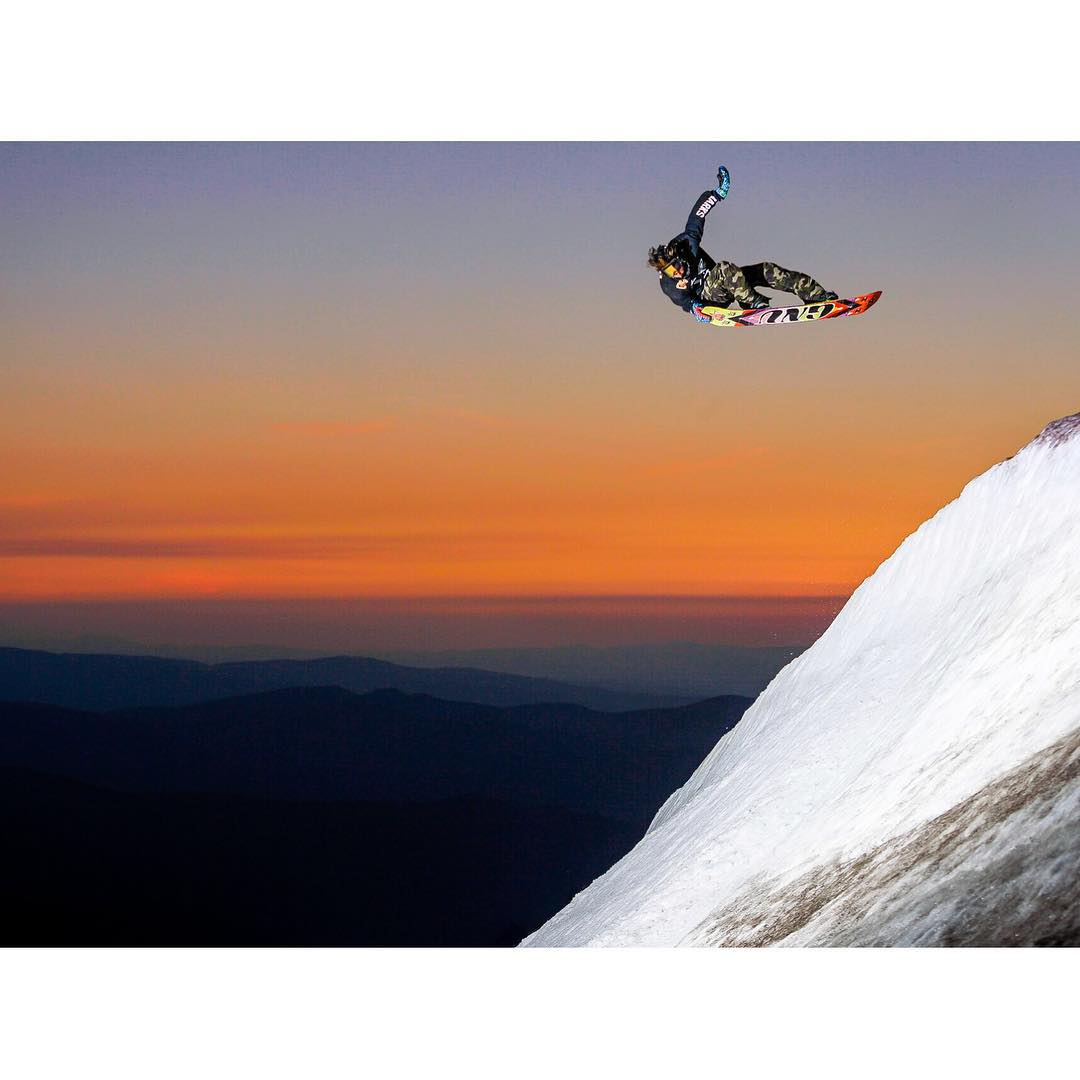 Al Grogan aka @algaee making a classic #MtHood #Sunset look extra special. Sunset shoot at #HCSC |