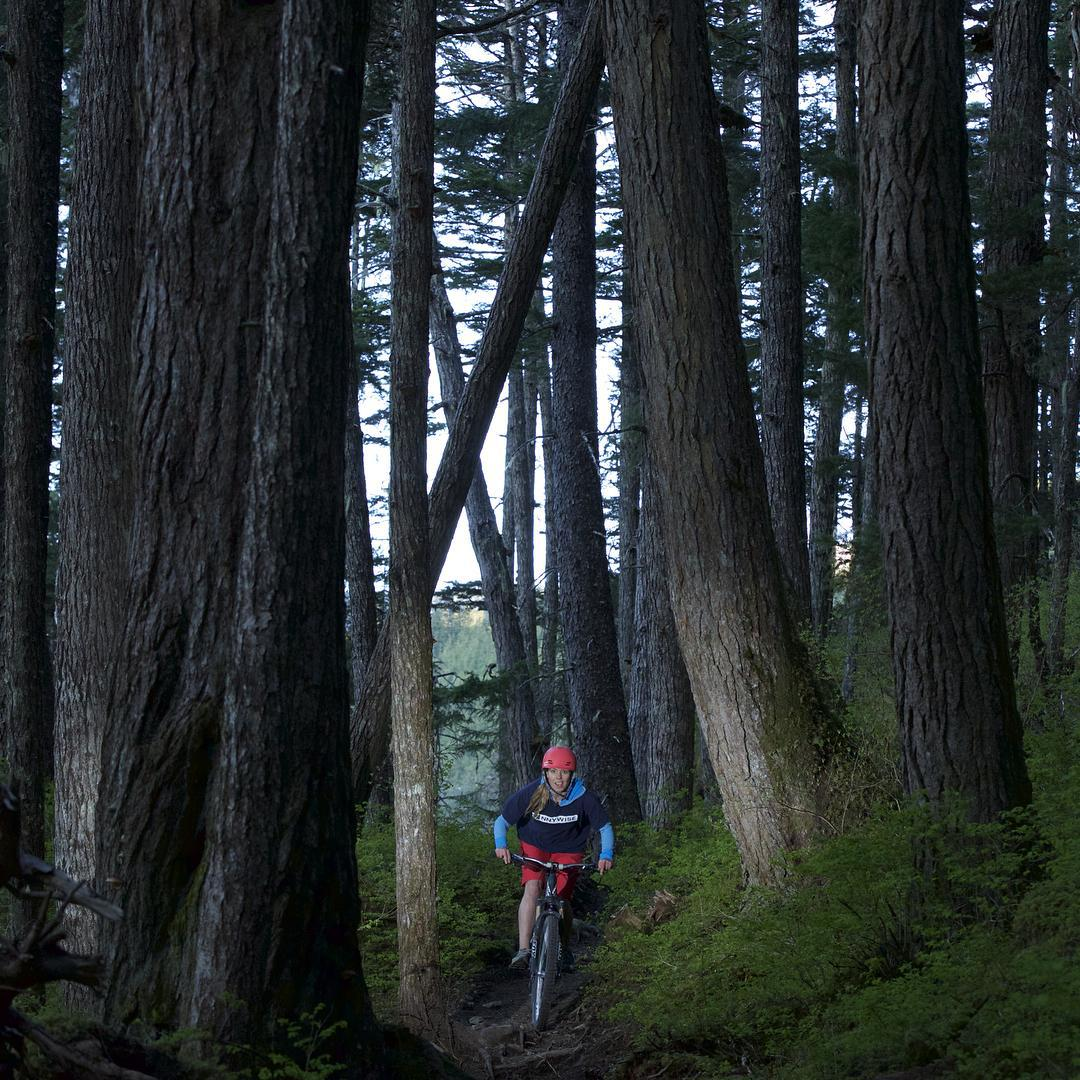 Forest adventures. @lynseydyer in her XS Freeride helmet.