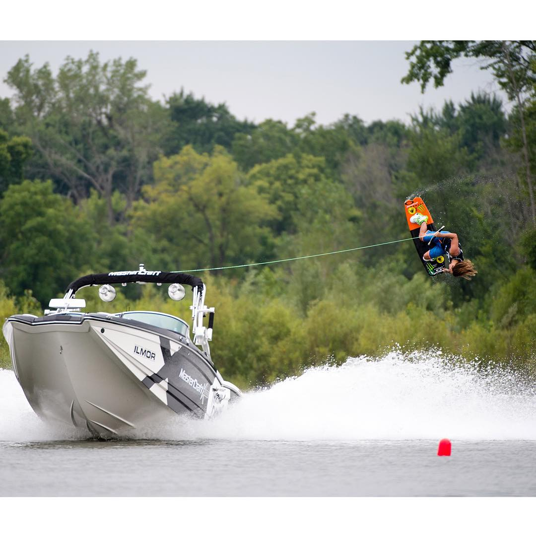 It's Sunday…  You should be livin' it up on the lake! (