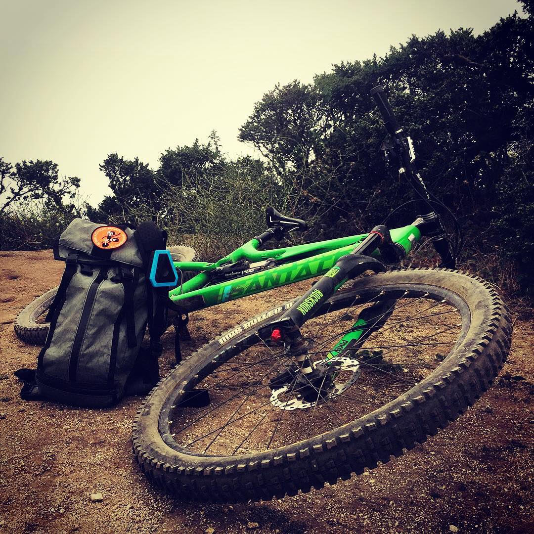 @santacruzbicycles Bronson is the best carbon fiber thing ever built #mtb #fastlife #soundofthebrave #boombotmini