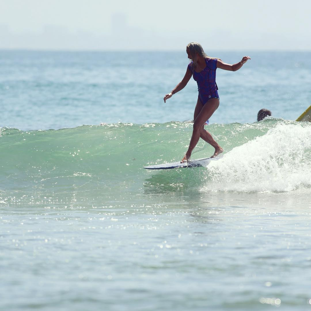 @keliamoniz cross stepping perfection in Malibu.