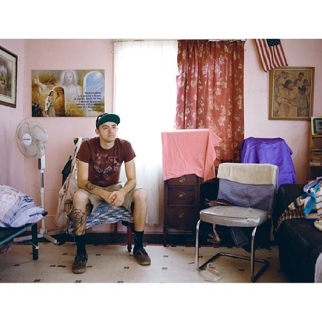 """#livingoffthewall presenta """"Anthony"""" el 2do capitulo de """"East Los"""" la serie realizada x @angela_boatwright_.  Chequea vans.com/livingoffthewall y conocé su historia."""