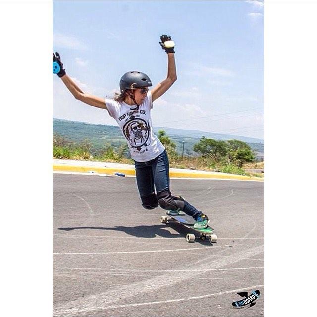 Valeria Figueroa de @longboardgirlscrewmx! She's so rad.  OnBoards photo.  #longboardgirlscrew #womensupportingwomen #skatelikeagirl #girlswhoshred #valeriafigueroa #mexico #lgcmexico