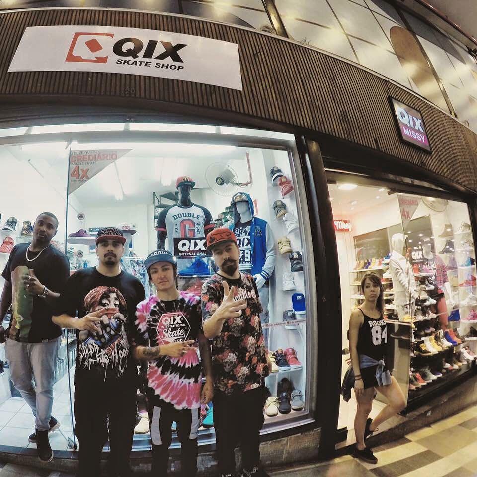 @luiznetosk8 visitou a loja @qix_galeriadorock. Quem aí de São Paulo já conhece a QIX Skate Shop? #qixteam #qix #skate #skateshop #skateboard #skateboarding #SãoPaulo #qixskateshop