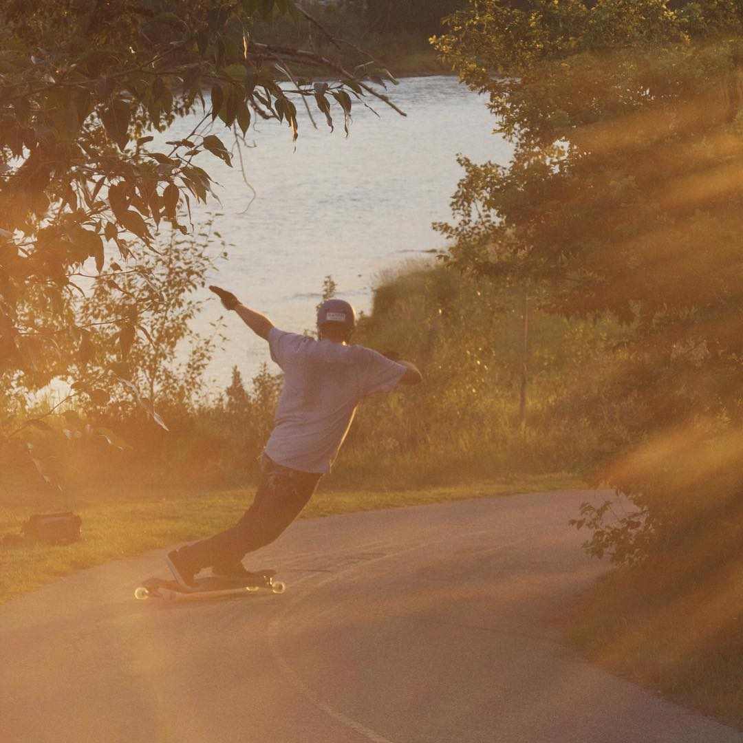 @bate_nackburn throws it slideways in that beautiful golden hour sunlight somewhere along the #omenhaulsasstocenmass trek!