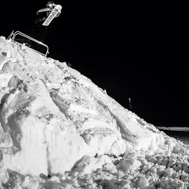 @fotomaxizoomdweebie shot in #issue30 of @forestbailey #steezmagazine #snowboarding #forestbailey #timzimmerman