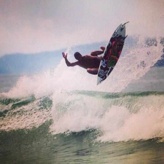 La combinación de @mpasseri1, Centro América y sus rampas.- #soul #surfing #waves #reefargentina