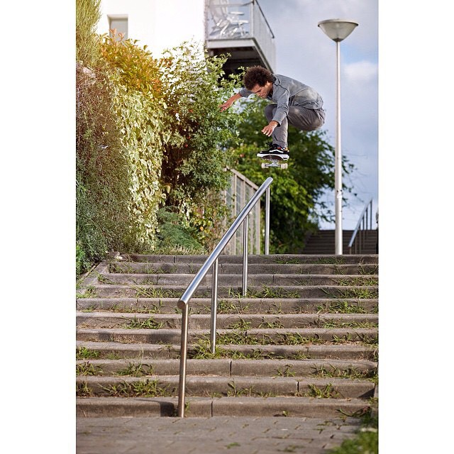 @nassim >>> ollie over 5050 >>>