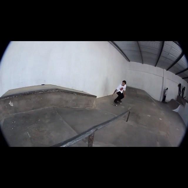 @rodrigoleal marretando em Uberlândia-MG, na inauguração de um novo obstáculo na pista da Loja Marriny Sk8. Confira em www.qix.com.br  #qixteam #qix #skate @marrinymagalhaesskate #skateboard #skateboarding #Uberlandia #MinasGerais #Brasil...