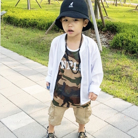 Standing Out In Camo #kangol (via @g.d.mom)