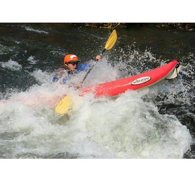 Whitewater babe..Look at chu go! @violet_callahan #sisterhoodofshred #whitewater #getit