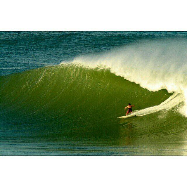 Un gran saludo de parte de la familia @reefargentina a nuestro pequeño rider de grandes olas