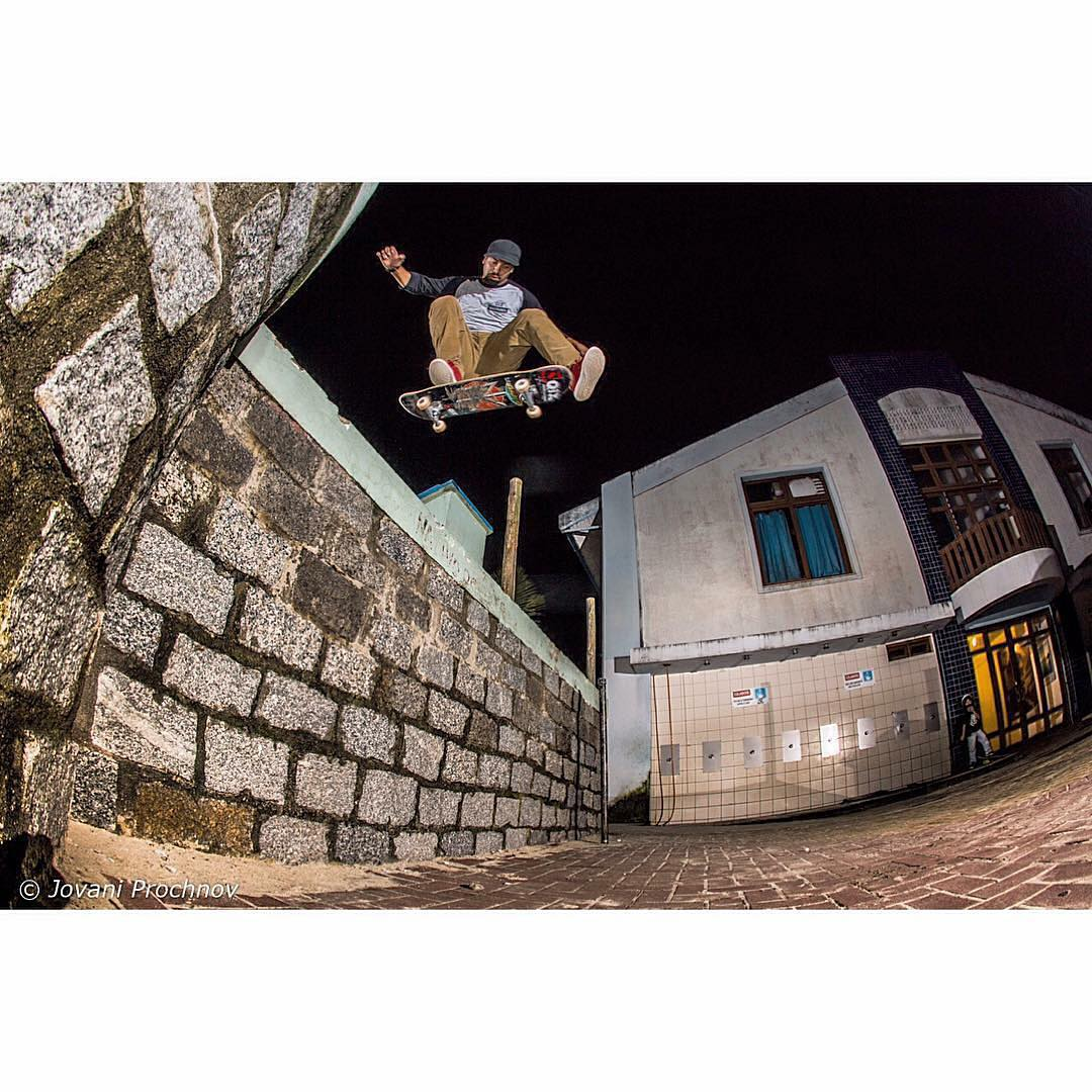 @caiquesilvaskt Flip. #skateboardminhavida