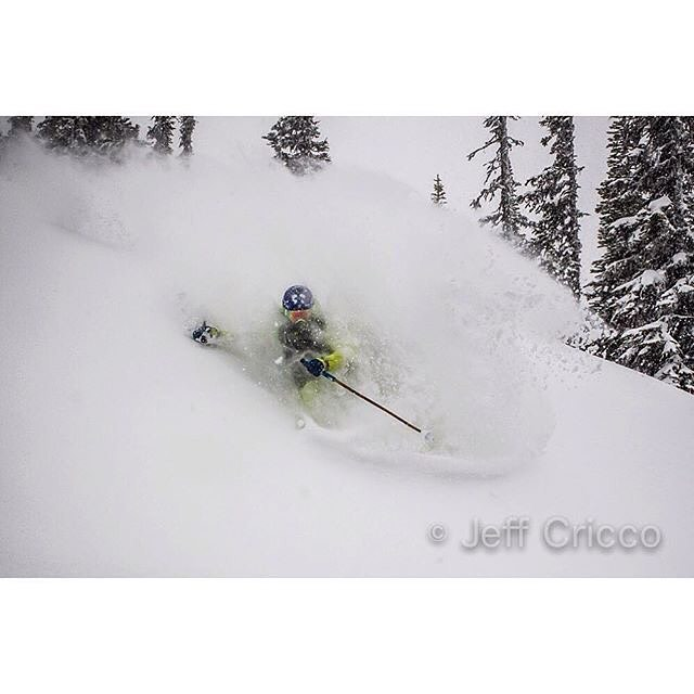 The metaphysical snow surfer known as OWA... Panda co-founder Oakley White-Allen finds himself deep in the pocket on this class 4DD #PANDALANCHE, captured in Revelstoke by the extremely talented Jeff Cricco... Photo: @jeffcricco  @oakleywhiteallen...