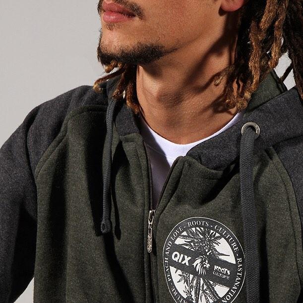 Jaqueta @qixroots é pra quem quer se destacar no rolê! Compre já a sua em www.qixskateshop.com.br