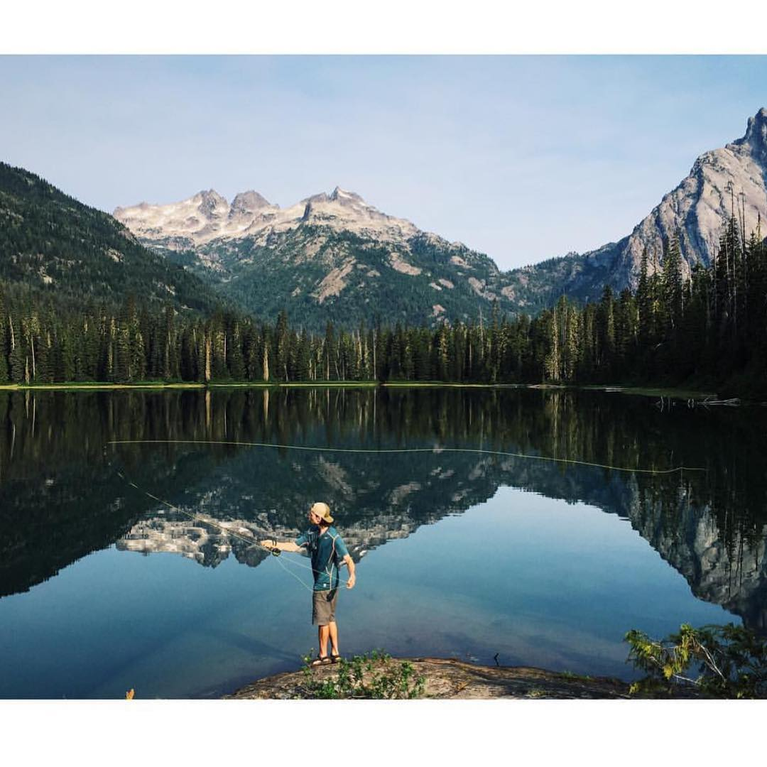 "Fly fishing the glass by @shredasaurous featuring @kyleevers ""what's your #MountainLife?"" #mountainlifeco #alpinelakeswilderness #PNW giving us some serious #mountainenvy #mountainlifecompany #whatmovesyou #gowhereyoudontbelong #adventure #backcountry..."