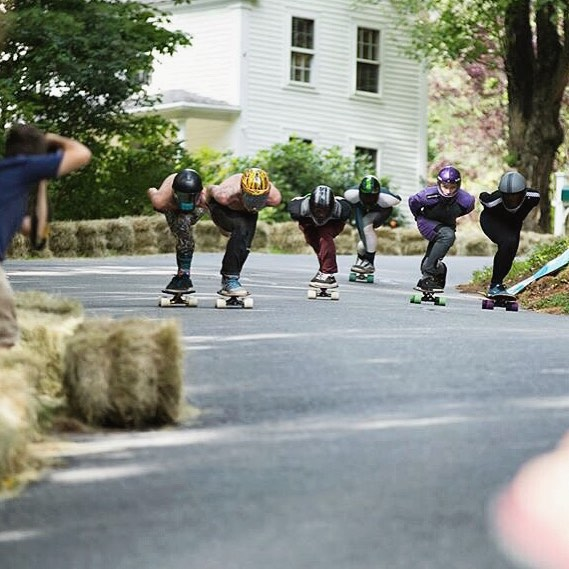 There was a ton of good racing going down at #centralmass6. As the day went on, heats got tighter and faster. Here @_ricker_ and @_morganowens_ncmb lead to the finish line in the quarterfinals. Sick pic from @aero.media #divinewheelco #divinewheels