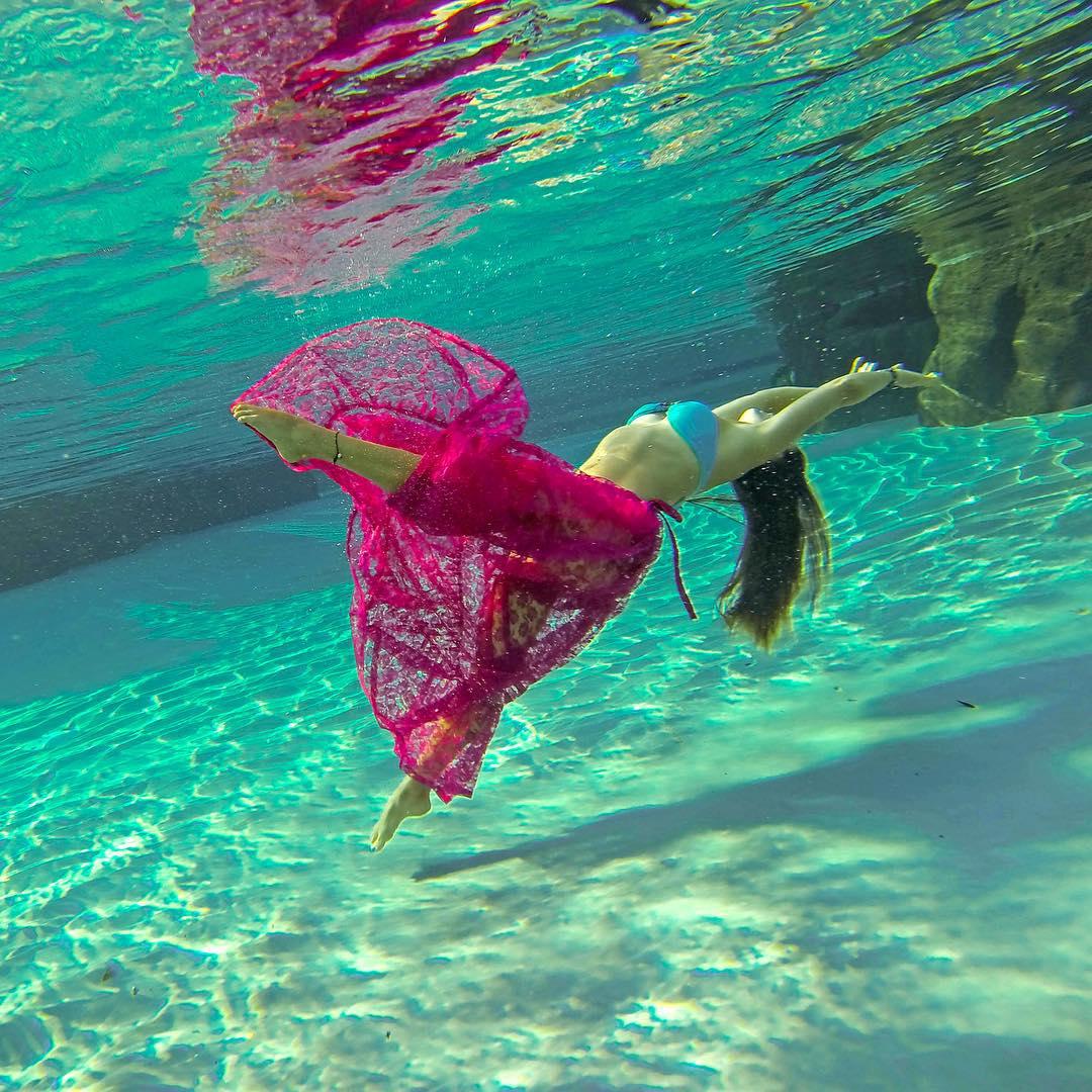 Underwater fashion. Photo: @claucoxrfavela GoPro HERO4 | GoPole Evo #gopro #gopole #gopoleevo #underwater #fashion