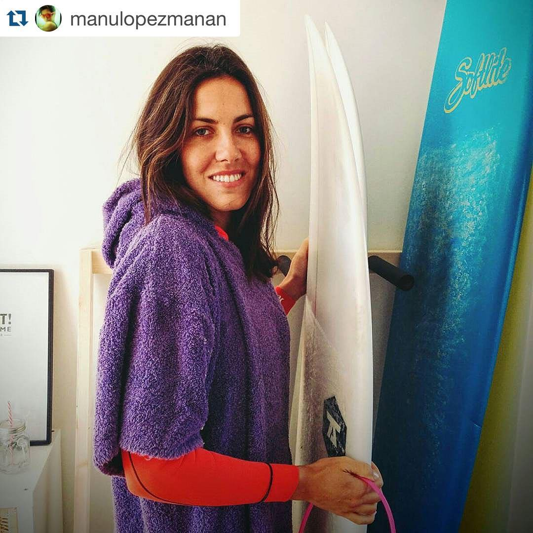 #Repost @manulopezmanan with @repostapp. ・・・ Sábado a la mañana infaltable mi mandarina! @makilita @elmandarinasurf