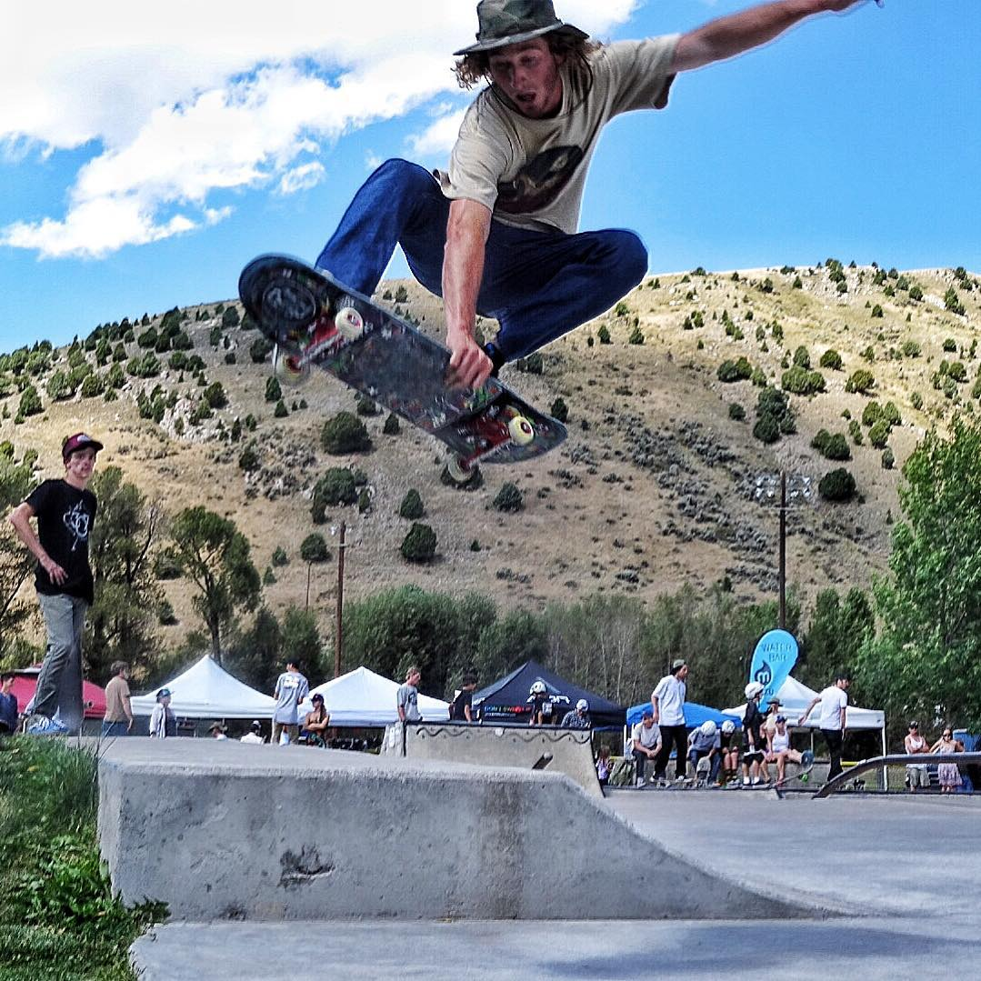 @skateswithfeathers kills it. #wildwestskateboarding #avalon7 #liveactivated #skateboarding www.avalon7.co
