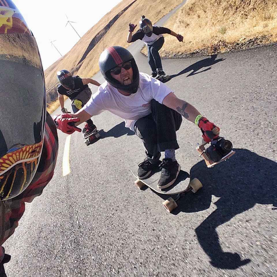 We're out here at the #MaryhillFreeride! Taking runs with new friends and old, having a blast with the pack. @_ricker_ grabs a selfie while @jimmywesterson films @dubeseldorf and @ethanschoonover come up the inside. #Maryhill #divinewheelco #divinewheels