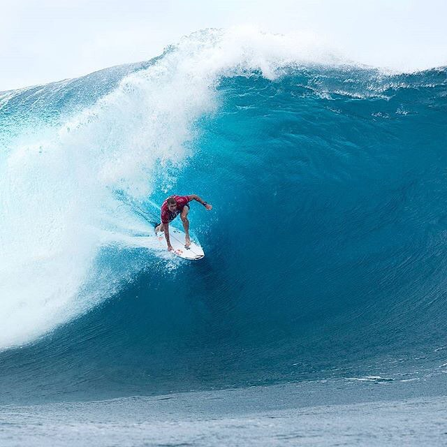Full recap from today's round one heats run at wild and tricky Teahupoo up on the blog now. Click the link in our bio. #billabongprotahiti @wsl