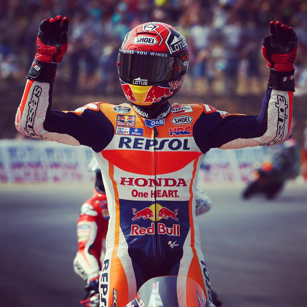Two hands up if you want the weekend back. #MotoGP