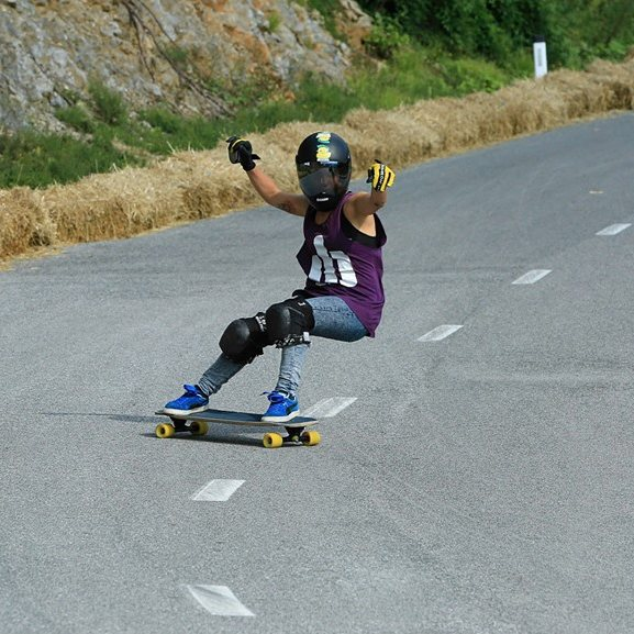 Lauris Rodriguez 'La Guancha' @guanchiviris went to KNK, won the #RedBullNoPawsDown race and showed some of her outstanding freeride skills. Go to longboardgirlscrew.com to see some of her best moments. Guancha eres enorme!