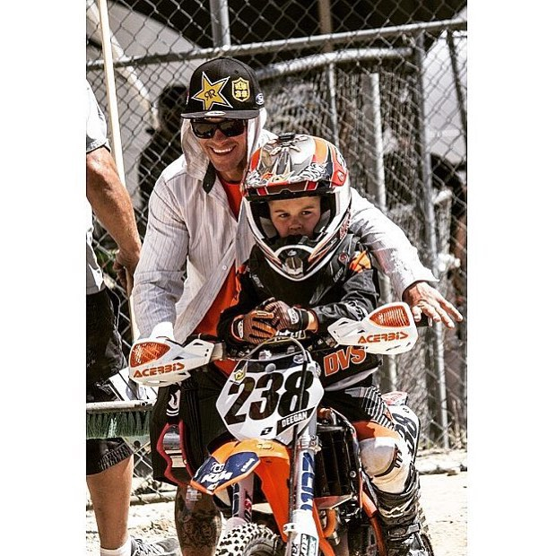 What motivates you to keep going and to push harder? Jr and I lining up at the gate for some Moto ✊