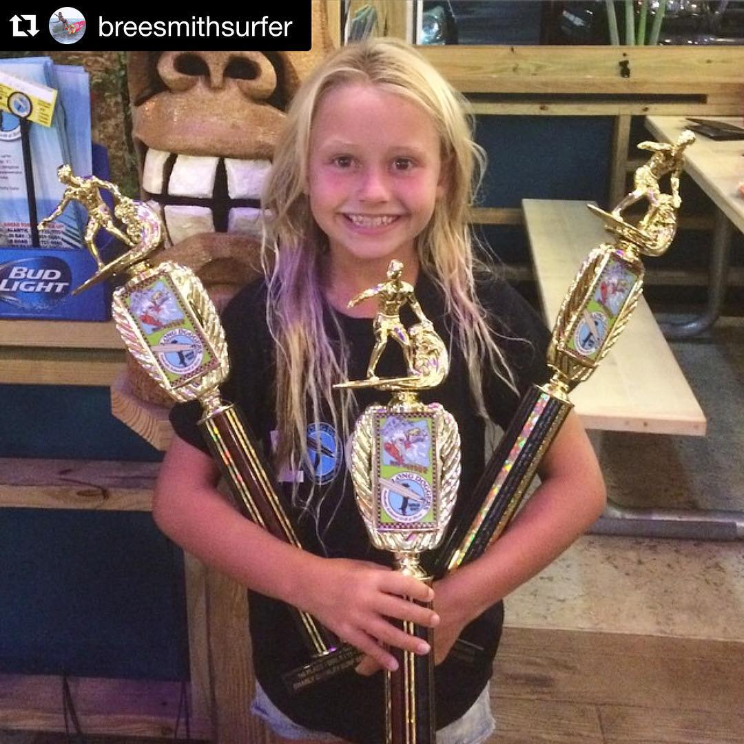 This lady needs a few more arms to hold all those wins! #Repost from Luv Surf Team Rider @breesmithsurfer ・・・ Had an awesome day @gnarlycharleyssurfseries I surfed 11 heats today and won 9 and got 2nd in 2. Ended up getting 1st in longboard and girls...