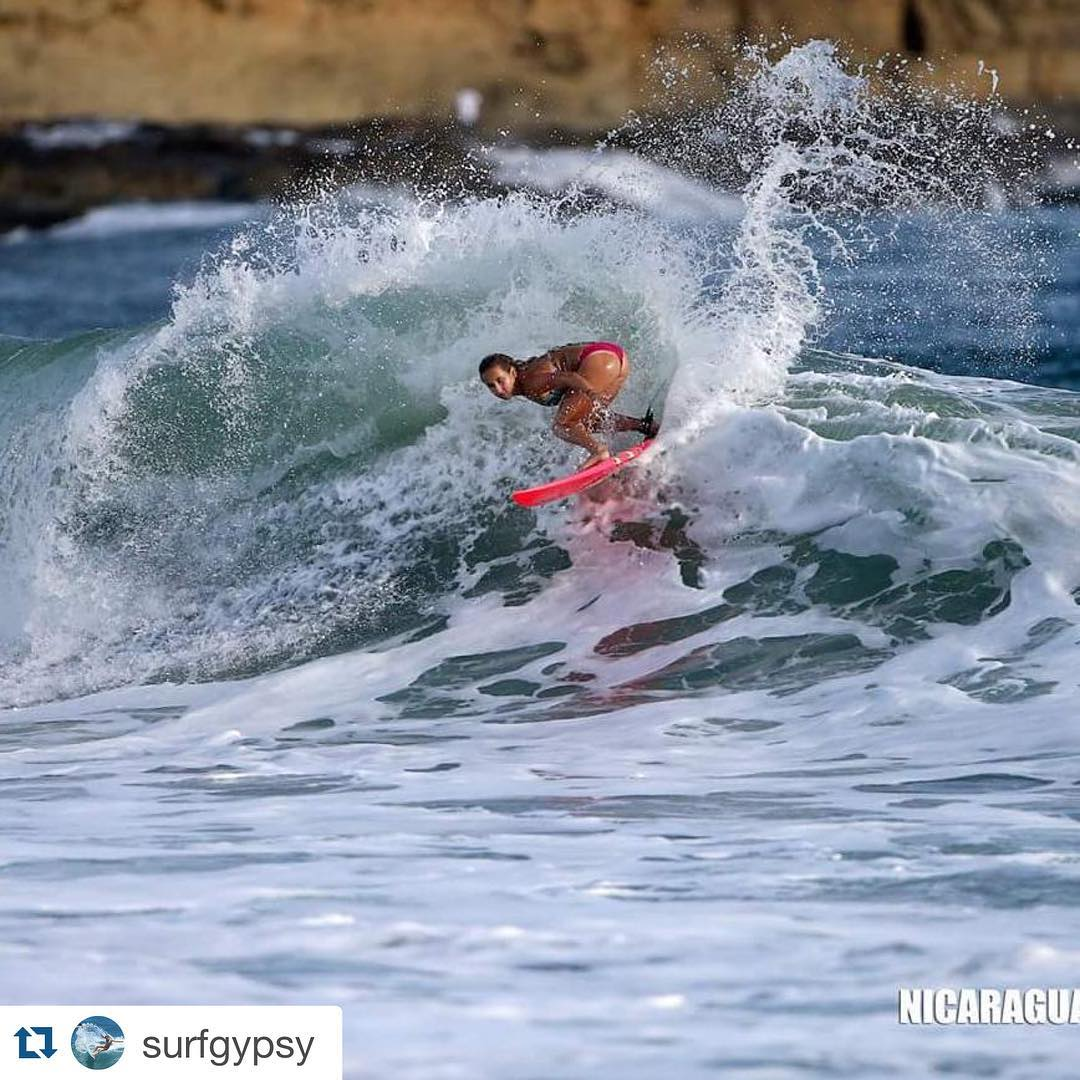 Insane moment from Luv Surf Team Rider @surfgypsy in Nicaragua! #luvsurf #team #shred #surf #surflikeagirl #insane #shwack #yew #epic #flipitandreverseit ・・・