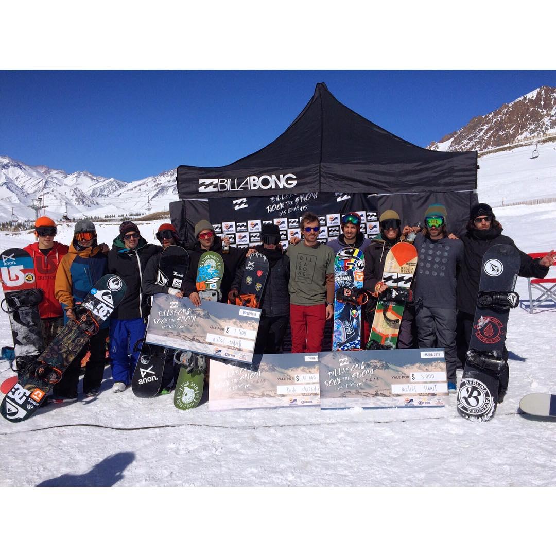Billabong rock the snow 15 #LasLeñas tuvo como ganador a nuestro raider @fedechiaradio y a @tomimateri en el cuarto puesto