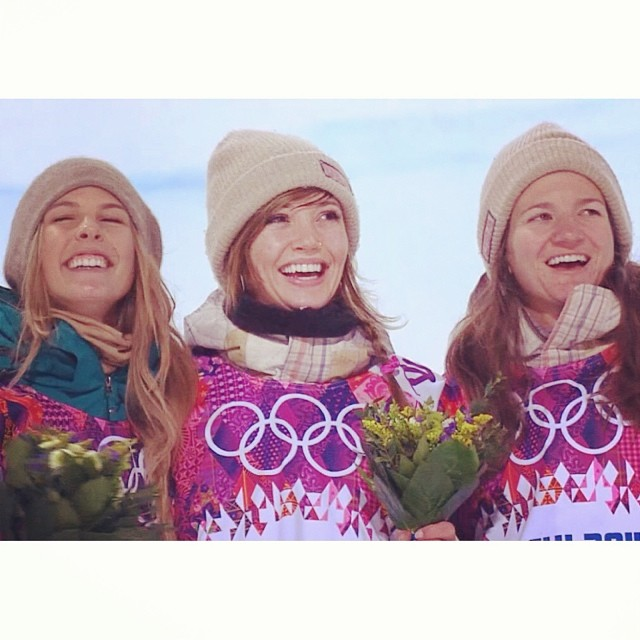 Congrats on the #GOLD for @KaitlynFarr in #halfpipe!! And great job to @TorahBright & @KellyClarkFdn for silver and bronze! #behealthygetactive #shredthelove