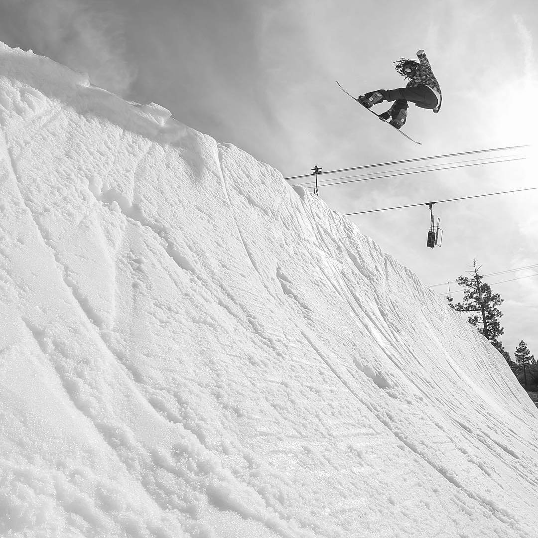 Jonathan McDonald (@shr3dmambaaaa) above the @bear_mountain sunny side QP.
