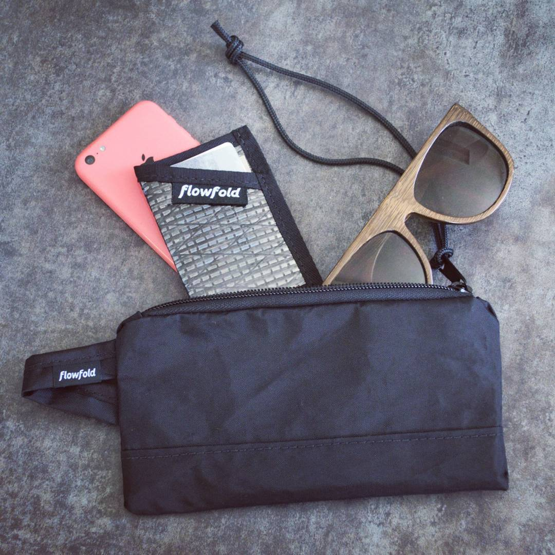 Welcome the Ace accessory pouch. Perfect for your back to school needs! Shop colors using the link in our profile. #flowfold