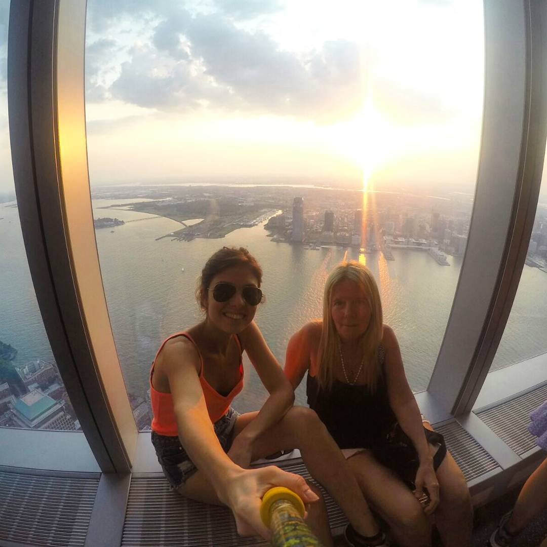 @catuleon con su #ZephyrPole desde #oneworldtradecenter #NewYork !!