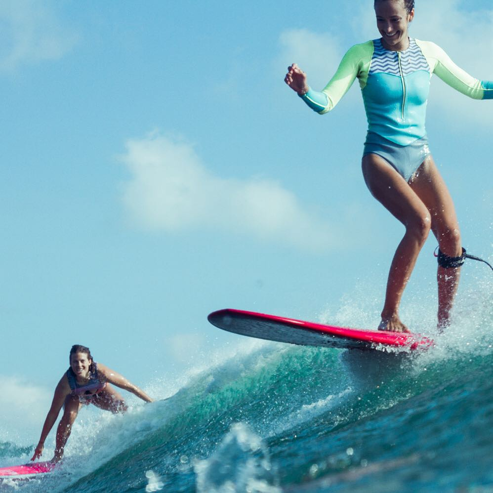 Smiles for miles with @torahbright and @justinemauvin #ROXYsurf  roxy.com/surf