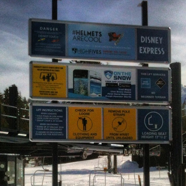 #helmetsarecool is showing up everywhere thanks to @sitour | @sugarbowlresort #disneylift