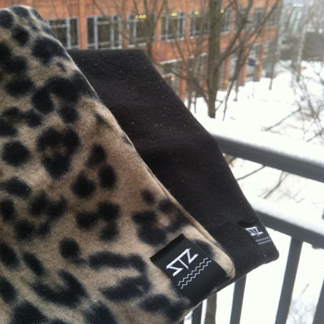 Enjoy your snowday with a limited edition neck koozie aka fleece neck gaiter! All black everything or  Cheetah print // get one while you can // contact: info@mystz.com #stzlife #snowday #charlotte #cheetah #neckgaiter #snowboard #happyshredding...