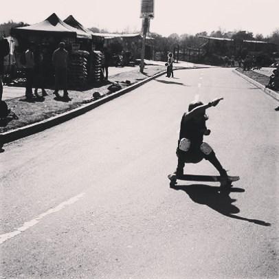Jandy Thiare no para de transmitir energía! Hoy salimos a andar x andar!!! #wheels #Longboard #longboarding #longboards #longboarder #longboardlife #longboarders  #longboardlove #longboardsworld #longboardlifestyle #longboarddancing #longboardday ...