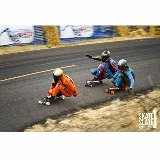 @honjuey photo of #rayneteam riders @be_choi and @patrickswitzer chasing a cheese coloured Frenchman down marryhill