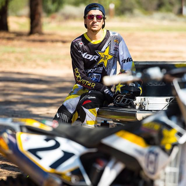 @elhombre_21 posted up in the new Roadblock sunglasses after ripping the track out at Chaney Ranch.