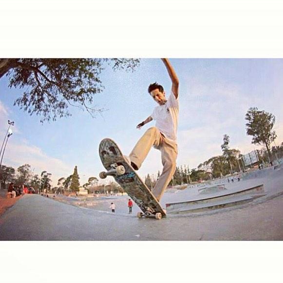 Nico Hernandez - FS blunt sin salida en el bank grande del PQS #gotcha #skateboarding