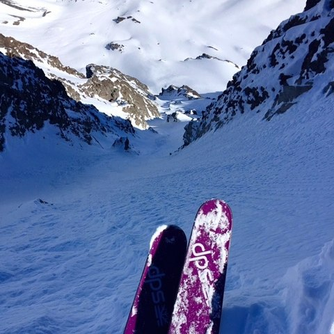 DPS' @michael.barney sends his regards from @vnheliski. #dpsskis #Lotus138 #powder #drool @valle_nevado