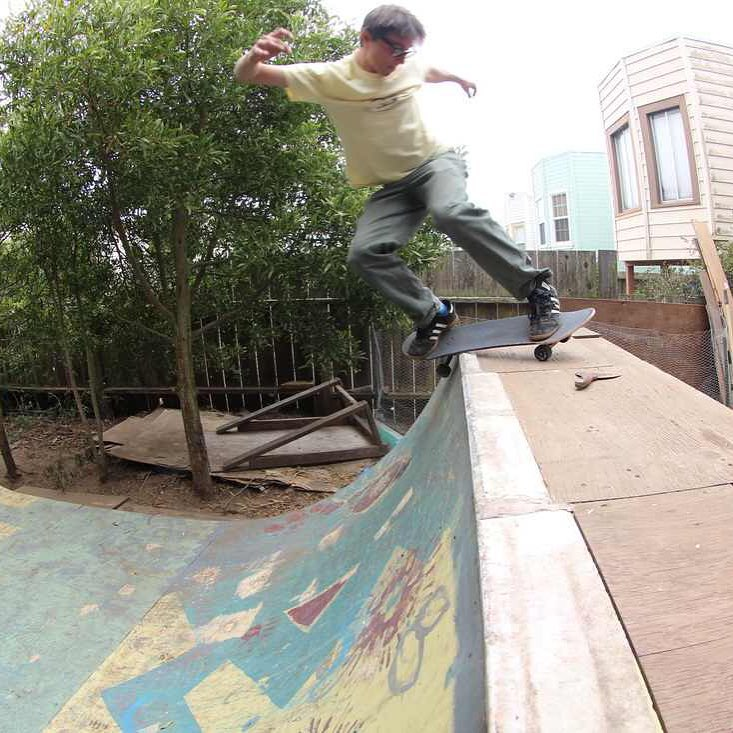 Team rider Chad Lybrand--@ragnars_world  with a feeble on his backyard ramp!